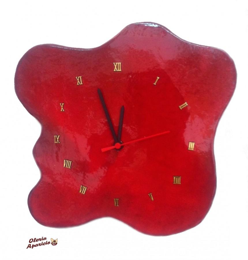 Reloj rojo de cerámica