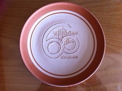 Platos de barro personalizados for Platos de ceramica